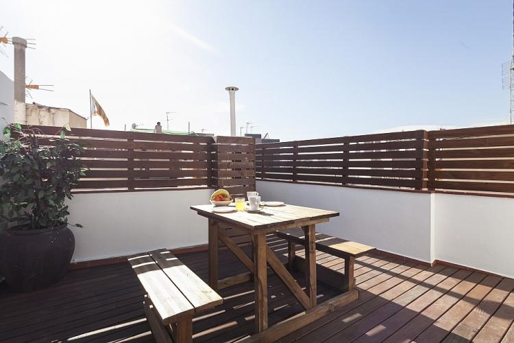 This excepcional community terrace is an ideal place for those who like enjoying in the sun