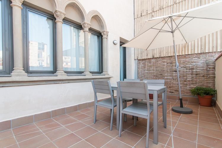 Parque Güell, alquiler de  apartamento con terraza en lujosa finca regia, Barcelona