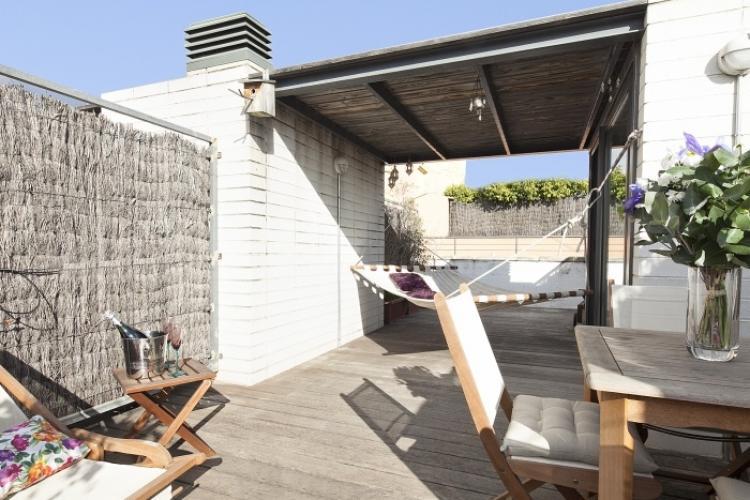 Piso por dias con terraza en Barcelona
