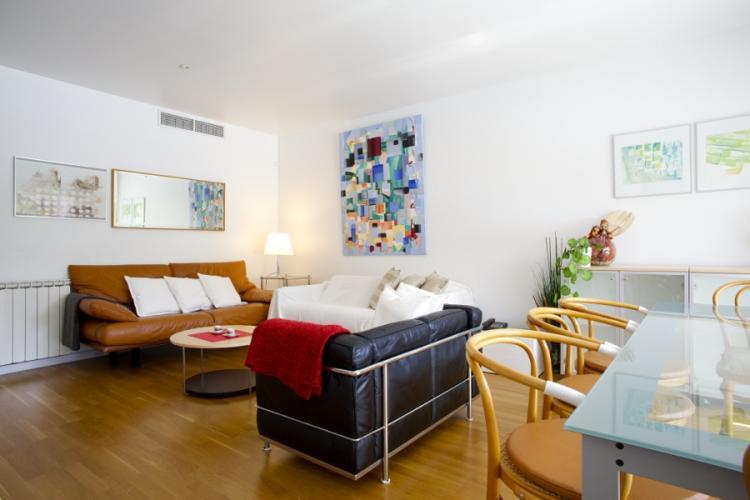 Bonito piso por meses, en Barcelona.