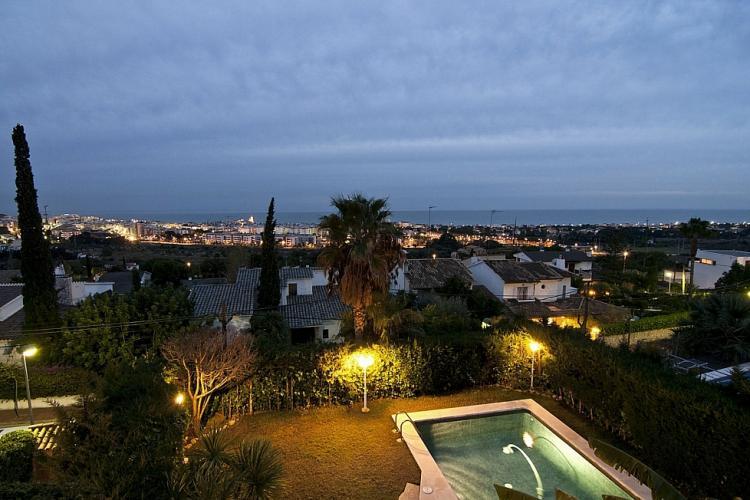 Espectacular casa con piscina en Sitges por semanas
