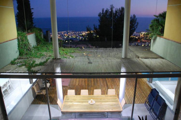 Preciosa casa con piscina y 5 habitaciones por semanas en Sitges