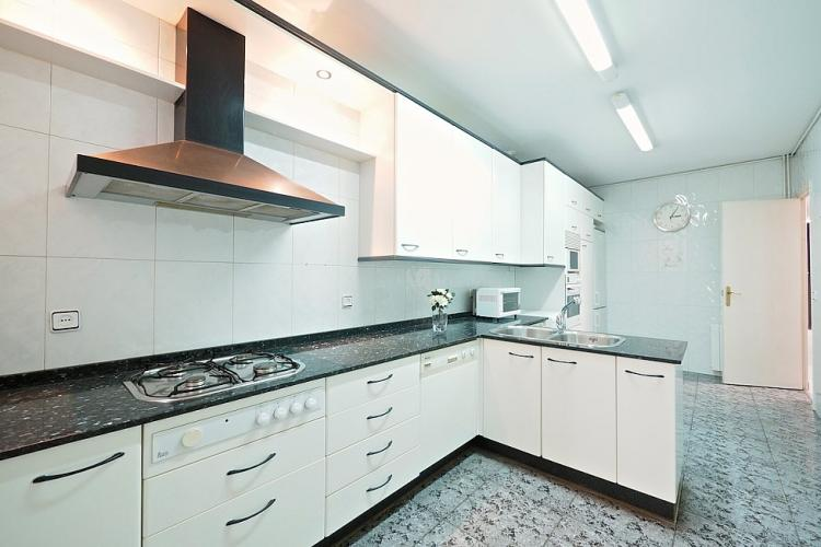 The kitchen is equipped with all appliances