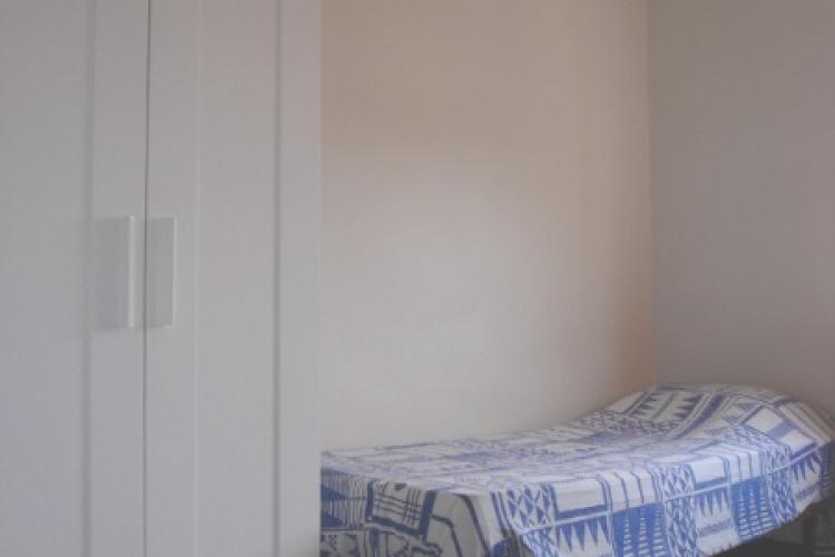 Habitaci n single en piso compartido collblanc for Piso 1 habitacion barcelona