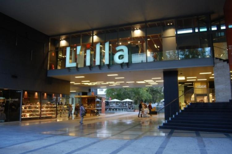 L´illa shopping center is just one of the many wonderful places to get all of your shopping done in the Les Corts neighborhood.
