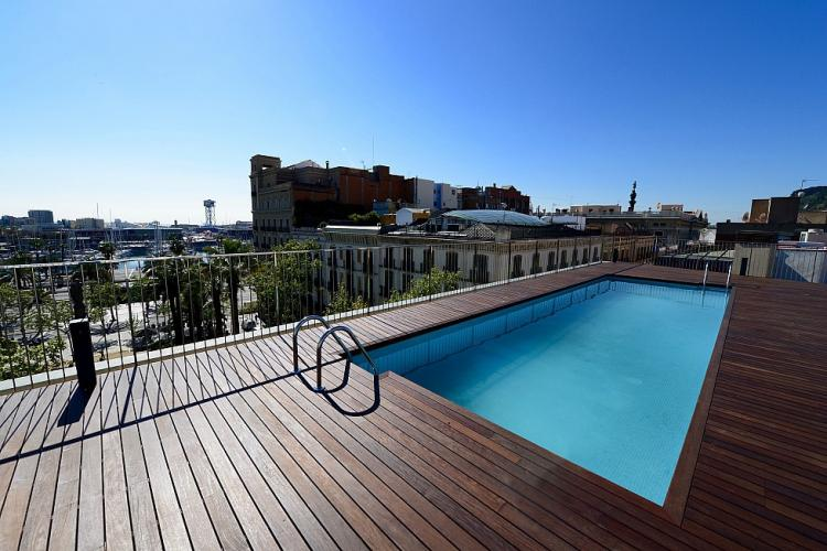 The buildings comes with a spectacular rooftop terrace with a communal pool.