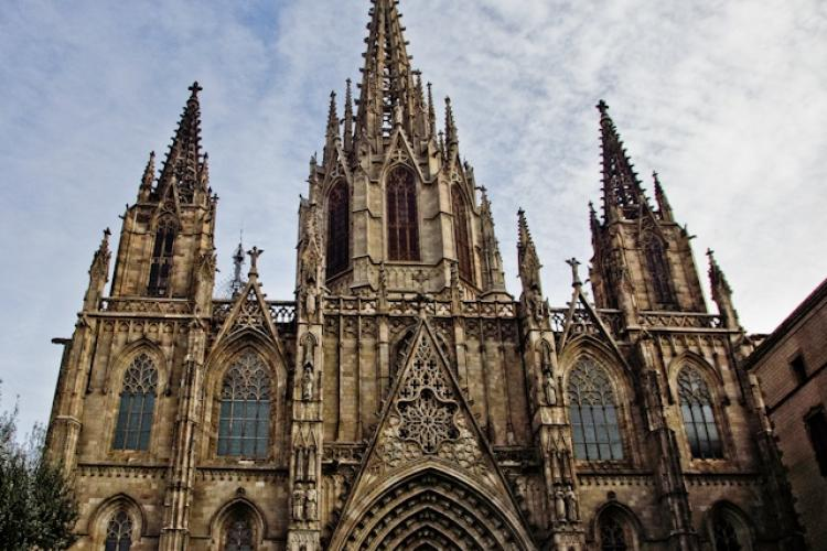 Visit the magnificent Catedral de Barcelona nearby.