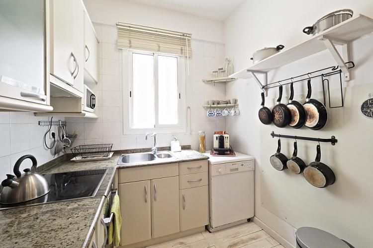 The kitchen has all the equipment necessary to enjoy a well prepared meal.