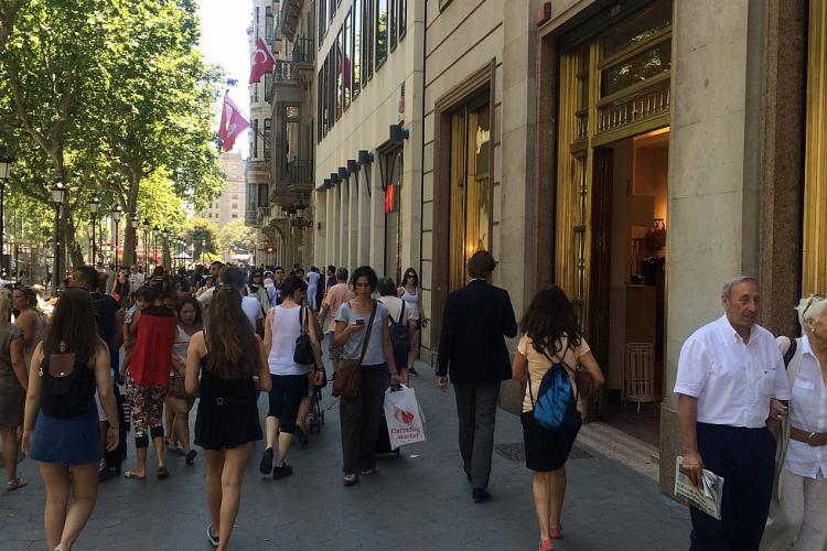 Close to the apartment is one of the longest shopping street in Europe called Creu Coberta.