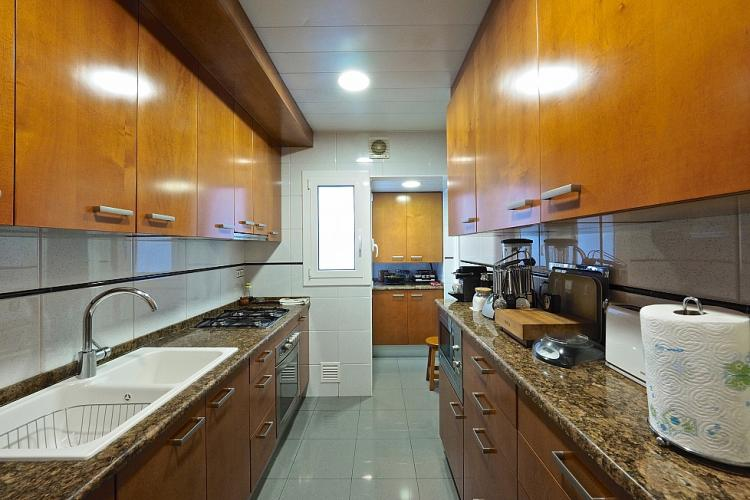 Fully equipped kitchen for a pleasant stay.
