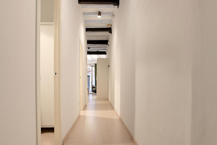 A long and bright hallway in the entry way
