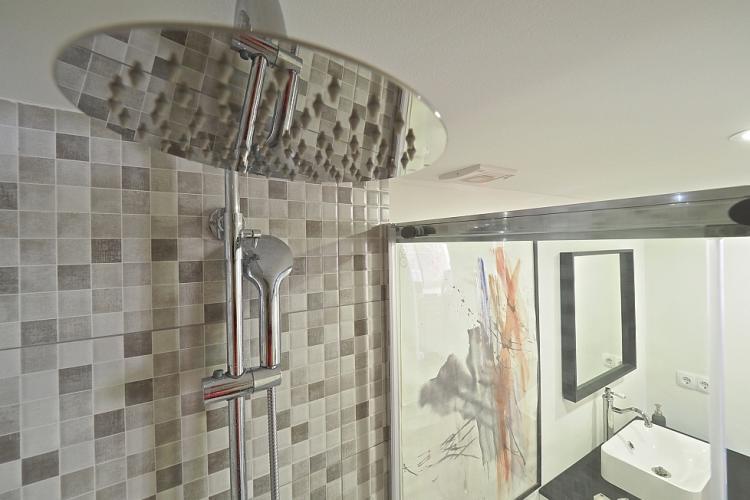 Bañera y ducha nuevos.