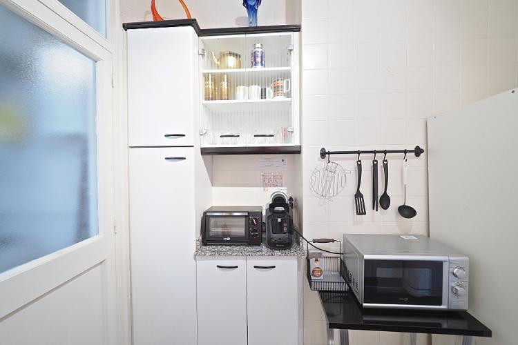 Amplio espacio para almacenaje de comida y otras cosas