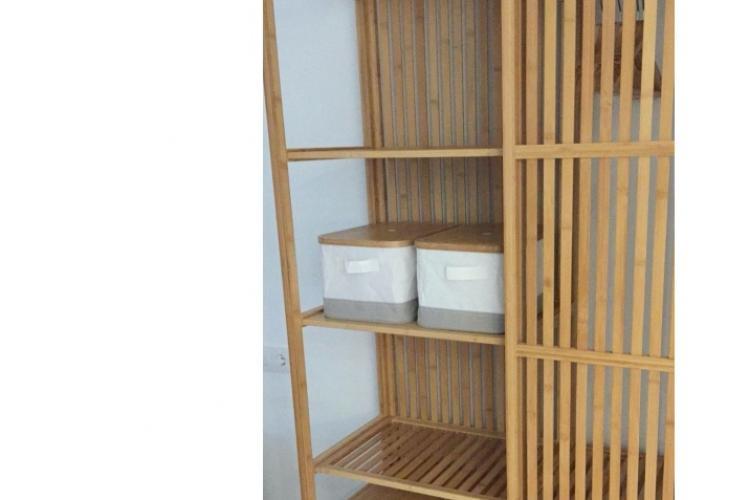 detalle armario de la habitación individual