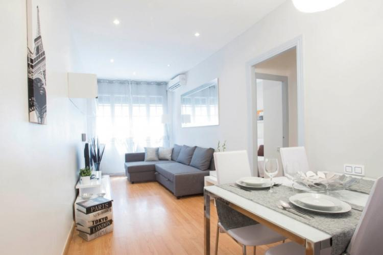 Large and modern apartment for rent  in Gracia, Barcelona