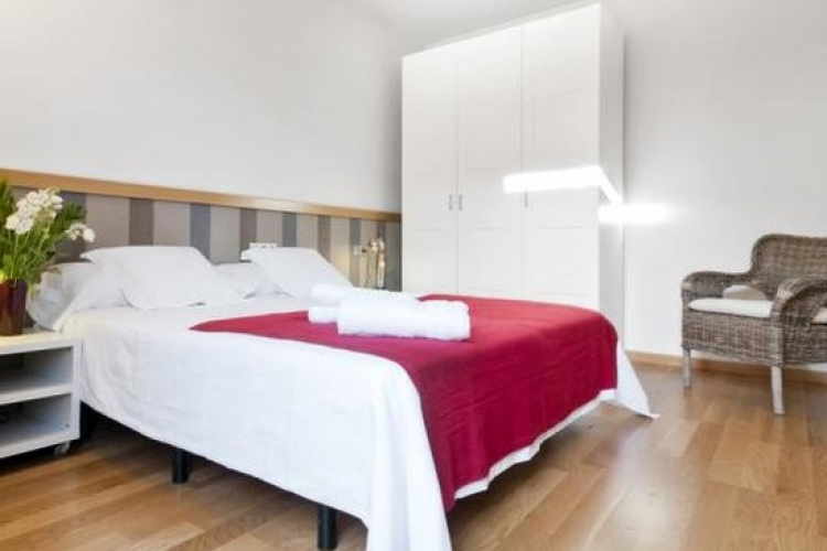 Barcelona long-term rental
