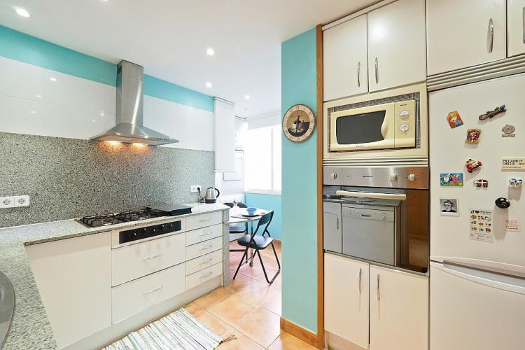 The kitchen features smooth granite countertops and all the accessories you will need to cook a nice dinner for your friends.