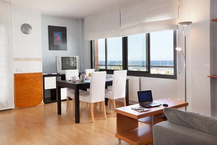 Apartamento para alquiler en Barcelona con vistas al mar