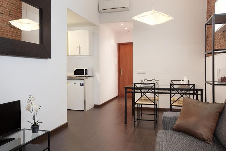 Precioso piso por meses en Barcelona.
