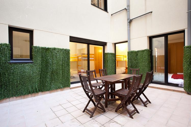 duplex avec terrasse pr s du parc guell barcelona home. Black Bedroom Furniture Sets. Home Design Ideas