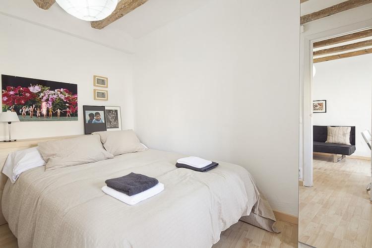 Precioso piso con 2 habitaciones en el centro de Barcelona.