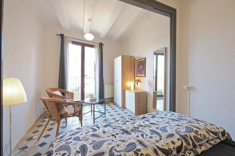 Apartment is ideal for families or groups, who wish to spend a long term vacations in Barcelona