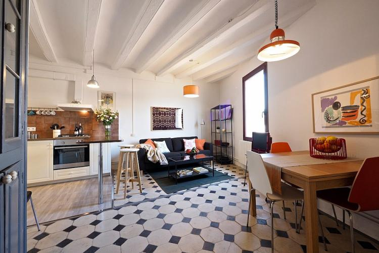 This amazing vintage apartment features a charming open space, living room-dining room area