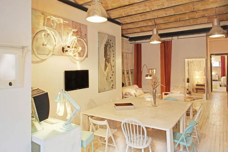 Luxueuse maison avec piscine louer dans barcelone barcelona home for Maison luxueuse a louer
