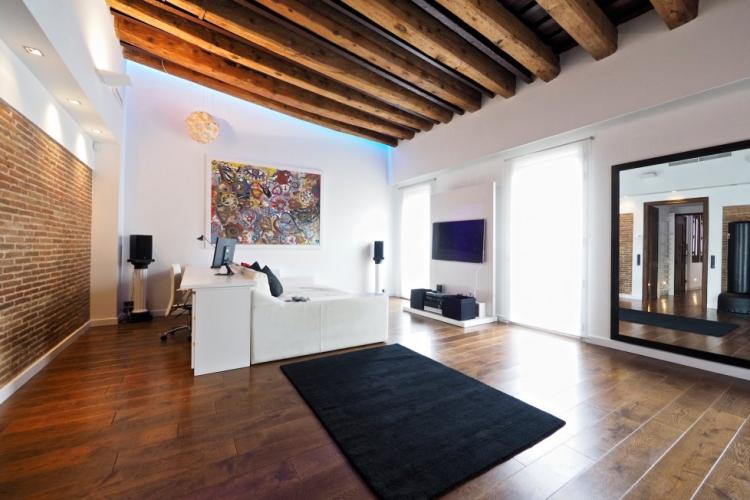 Penthouse for sale in Ronda Universitat, Barcelona