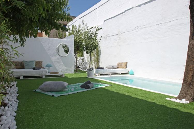 Casa con piscina en montju c para eventos barcelona home for Piscina montjuic barcelona