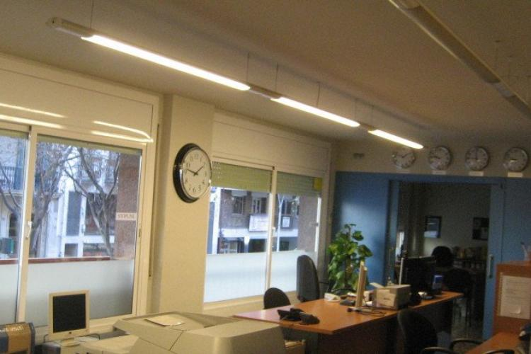 Oficina en venta en carrer viladomat barcelona for Oficinas don piso barcelona