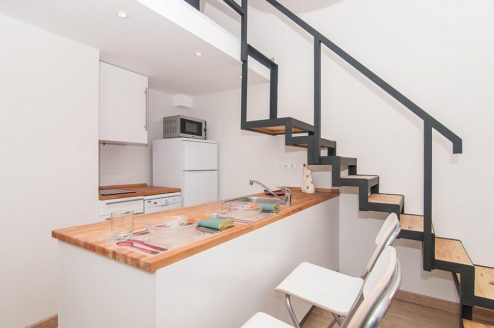 Piccola dimora con charme a eixample barcelona home for Piccola cucina a concetto aperto