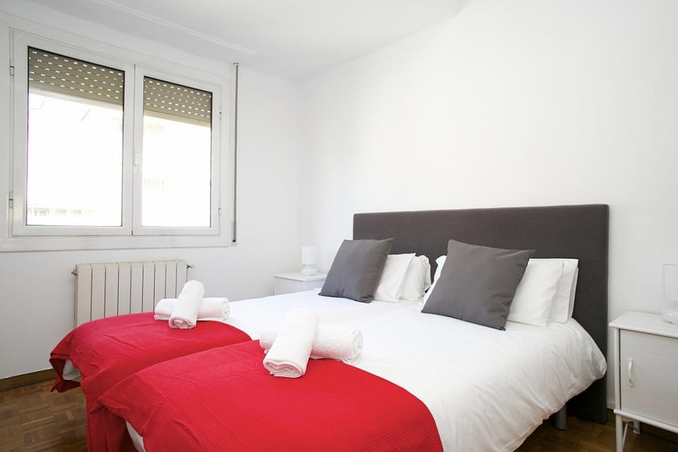 three bedroom apartment for rent in eixample barcelona home