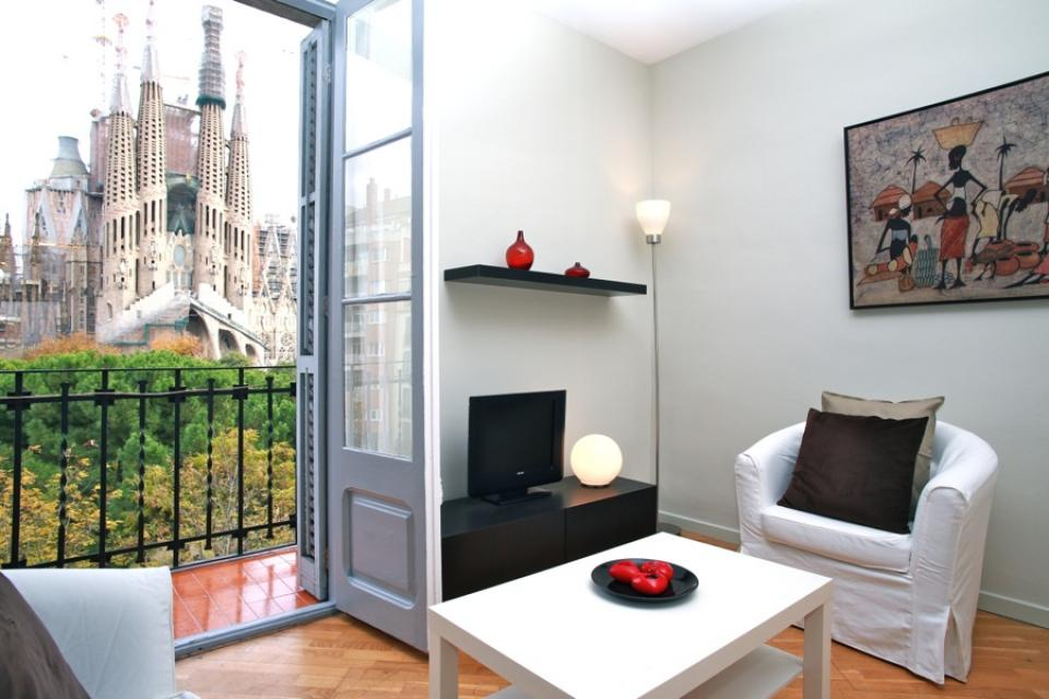HOME FOR RENT IN EIXAMPLE, SAGRADA FAMILIA
