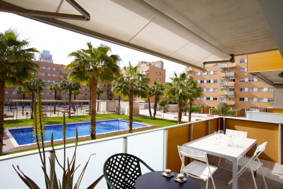 Apartment with pool in the district of vila ol mpica for Piscina olimpica barcelona