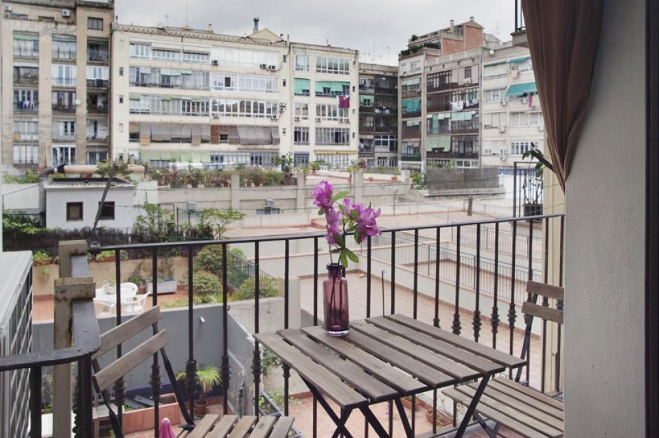 Fabuloso piso modernista en alquiler en eixample barcelona home - Alquiler pisos barcelona eixample ...