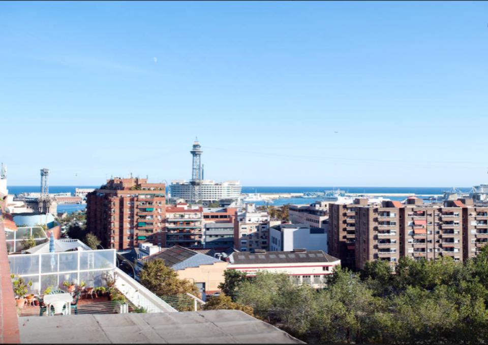 Tico con terraza y vistas panor micas barcelona barcelona home - Atico terraza barcelona ...