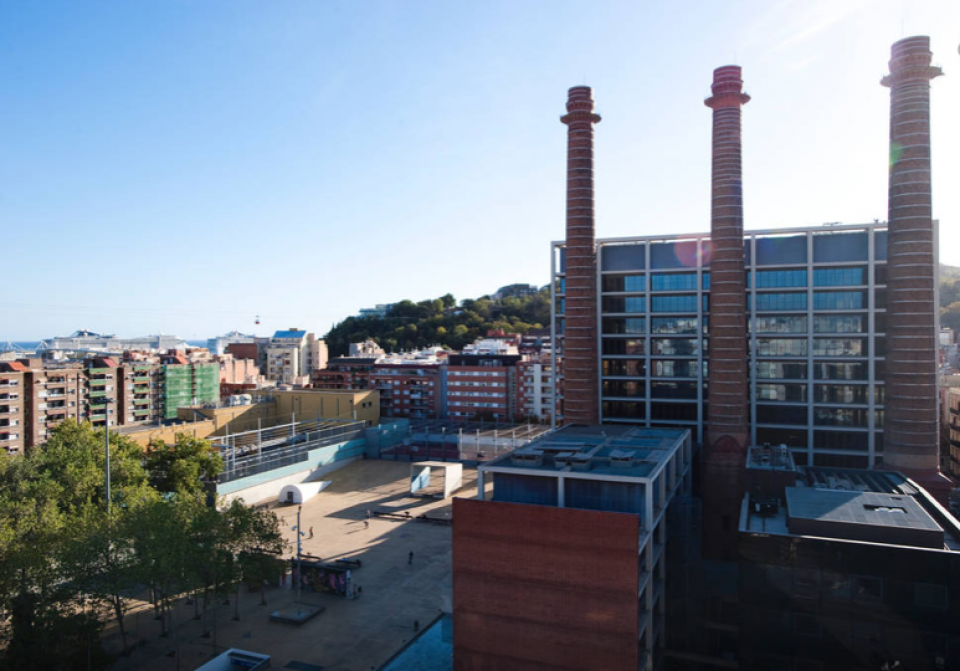 Tico con terraza y vistas panor micas barcelona - Atico terraza barcelona ...