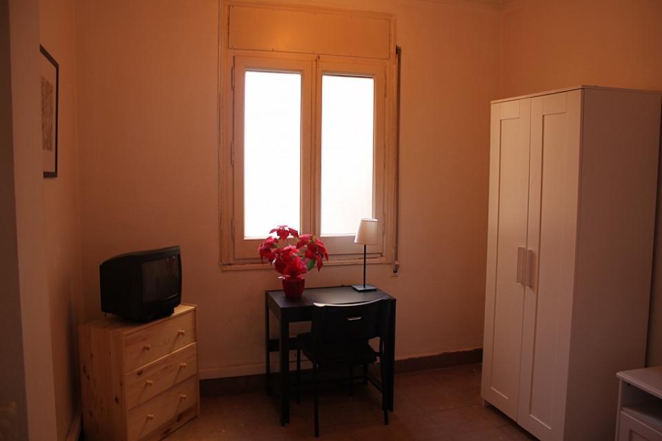 Double Bedroom In Spacious Apartment Near Passeig De Gracia Barcelona Home