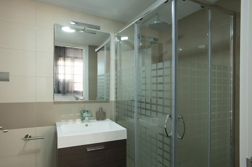 Alquiler pisos una habitaci n gr cia barcelona home for Piso 1 habitacion barcelona