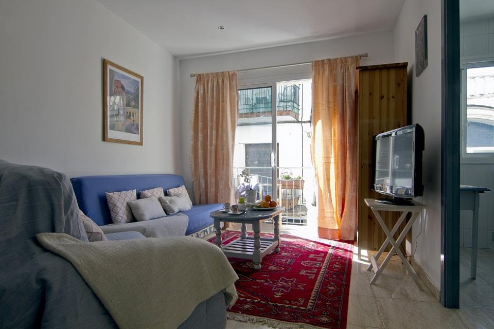 piso de alquiler mensual con terraza en sitges barcelona