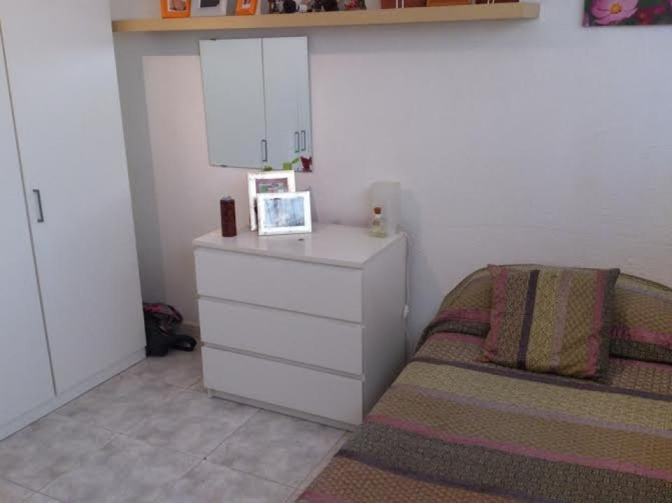 Chambre pour une personne hospitalet barcelona home for Chambre barcelona