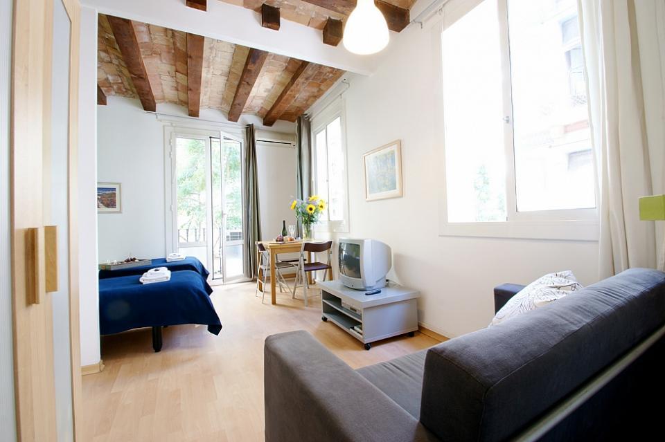 Brevi appartamenti soggiorno a barcellona barcelona home for Soggiorno a barcellona