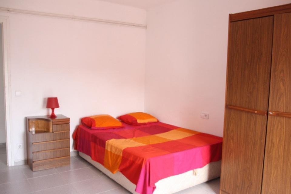 Chambre laberinto horta barcelona home for Chambre barcelona