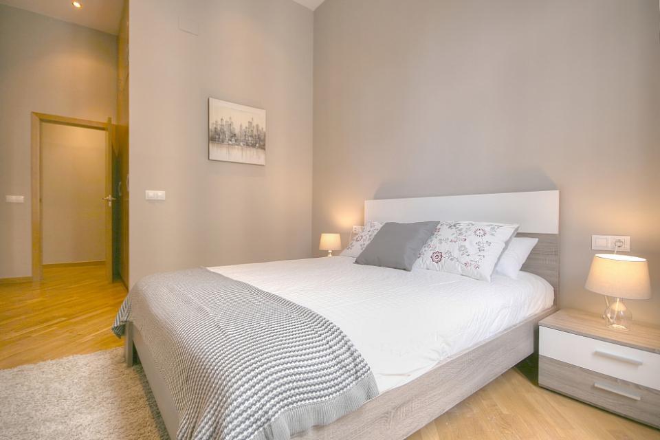 Dise o de interiores magn fico piso de 2 habitaciones - Diseno de interiores barcelona ...