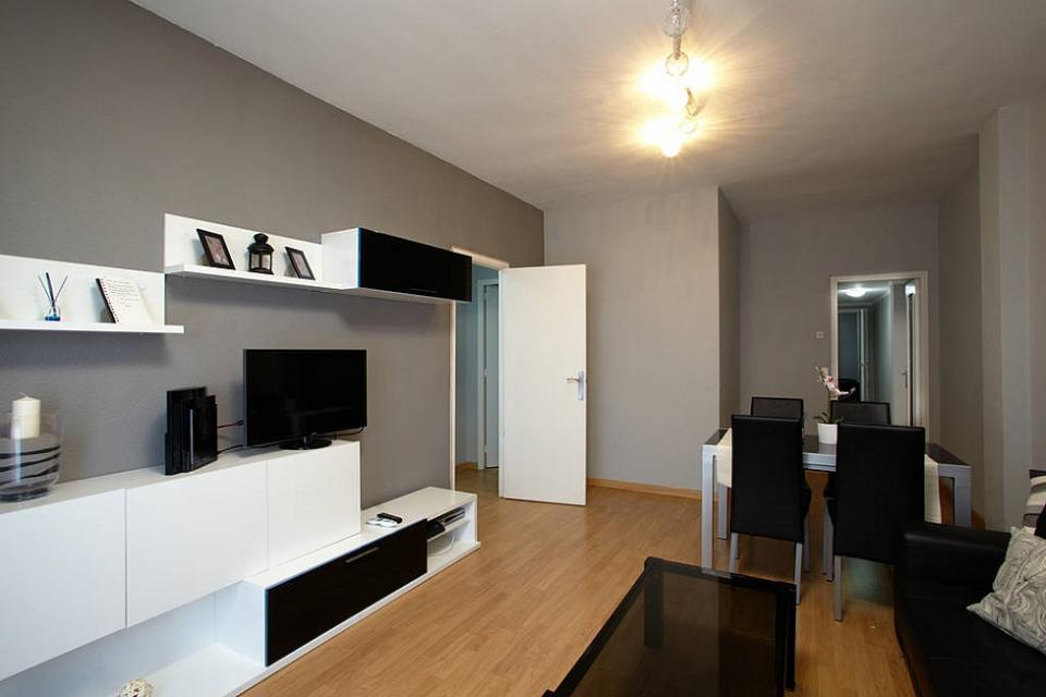 Room in modern style apartment, Sagrada Familia | Barcelona-Home