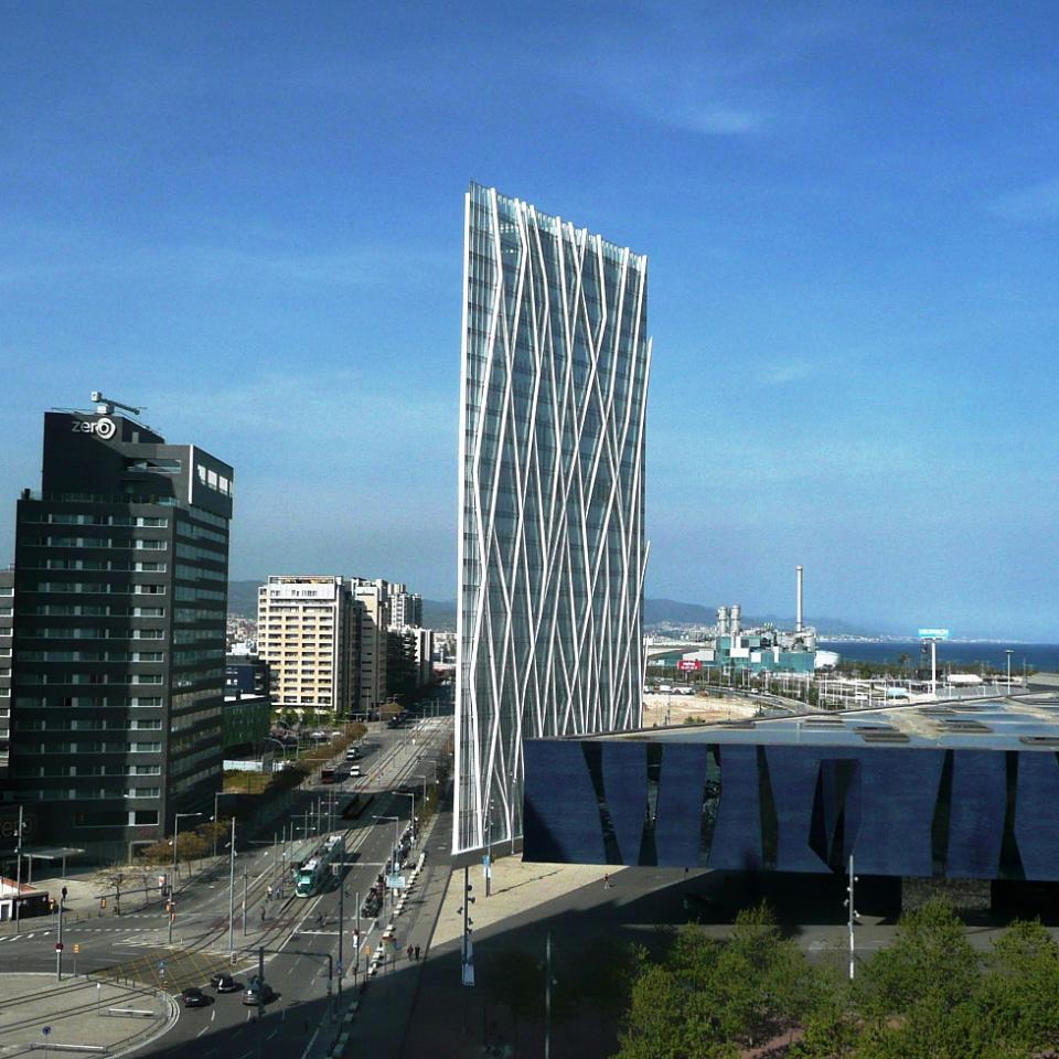 The Forum Apartments: Apartment Port Forum