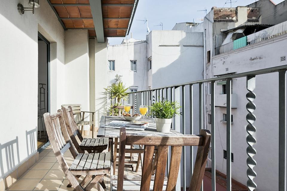 rambla wohnung mit terrasse barcelona home. Black Bedroom Furniture Sets. Home Design Ideas