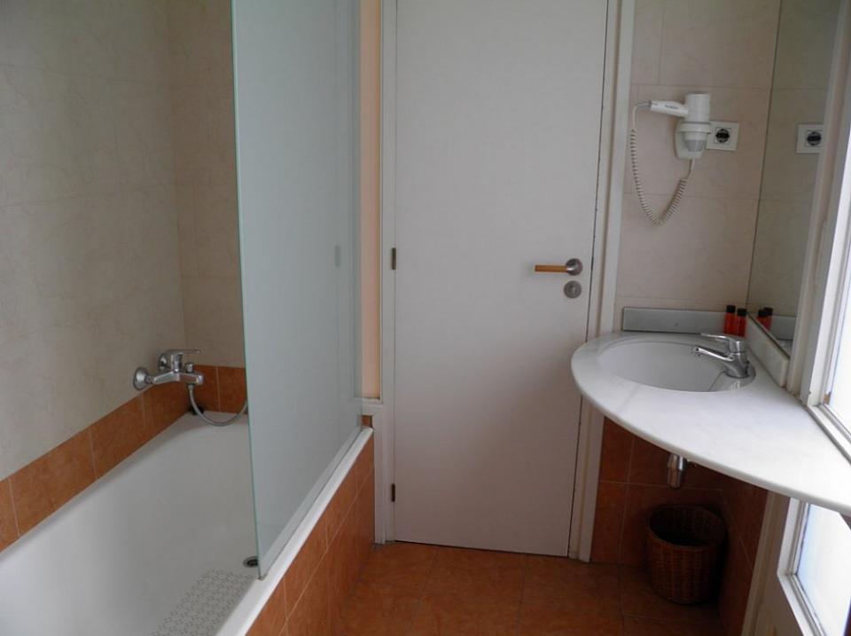 Apartamento estudio c ntrico en barcelona barcelona home - Apartamentos en barcelona booking ...