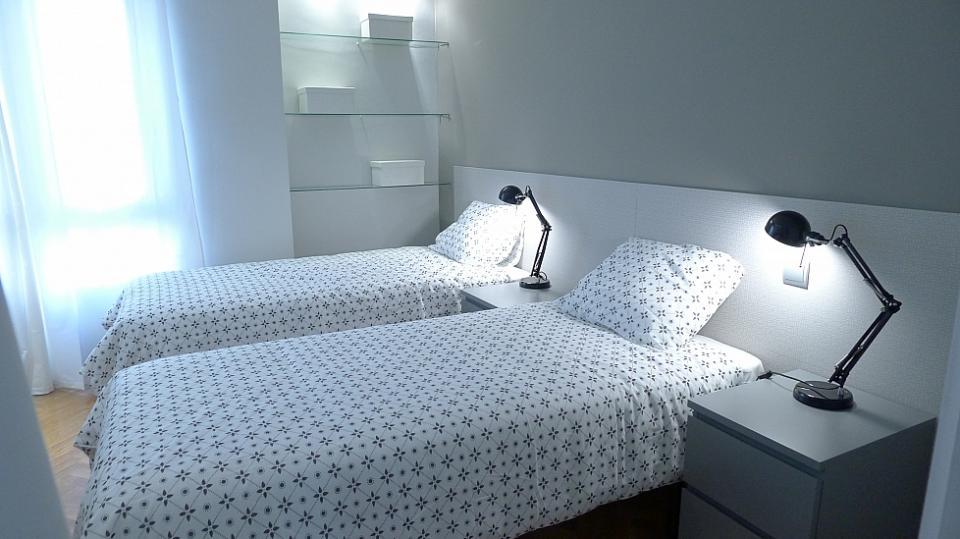 Appartamento di 4 camere da letto vicino avenida diagonal - Amici di letto in inglese ...